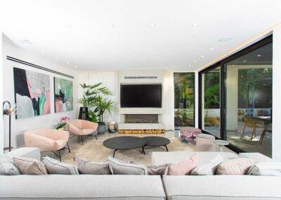 עיצוב בית פרטי במושב קיר טלויזיה