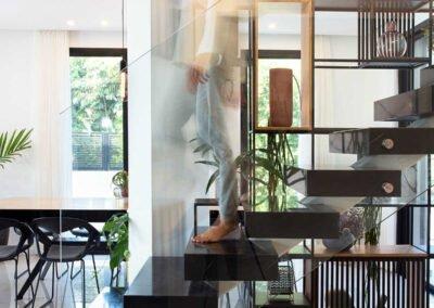 מדרגות עיצוב בית פרטי במושב