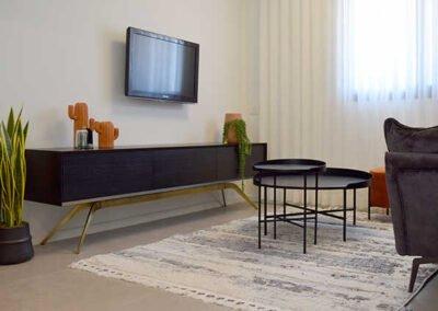עיצוב חלל סלון בדירה קטנה
